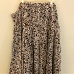 Jones New York - 2 piece skirt and blouse